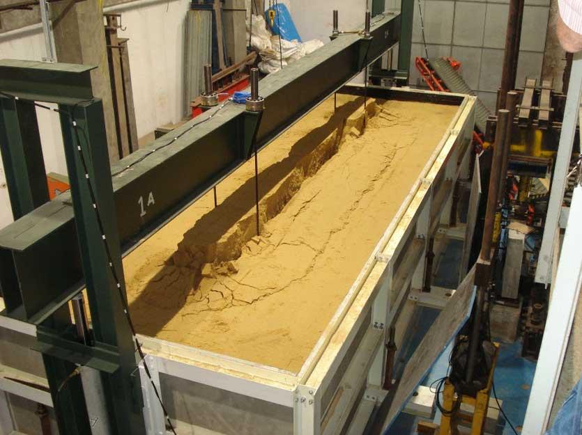 Estrutura de aço para teste de dutos enterrados